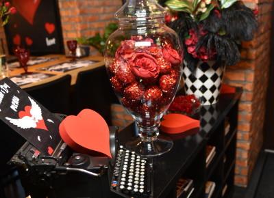 Оформление ресторана GLUKOZA в стиле «На крыльях любви» в  День всех Влюбленных! Декор готов и ждет Ваших красивых торжеств!