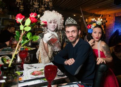 Оформление ресторана GLUKOZA в стиле «Я самая красивая!» на       8 Марта! Декор готов и ждет Ваших красивых торжеств!